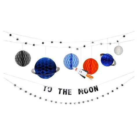 'To The Moon' Garland