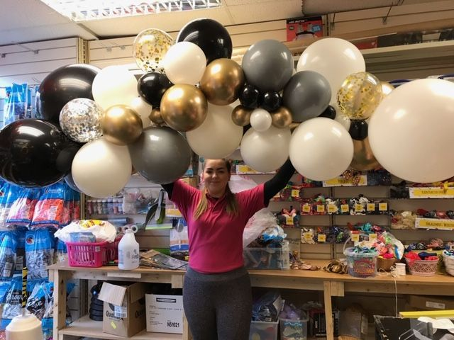 Our balloon elves are getting very good at our bespoke garlands!