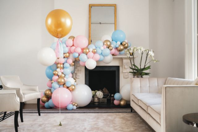 A gorgeous gender reveal garland for a gorgeous mum-to-be!